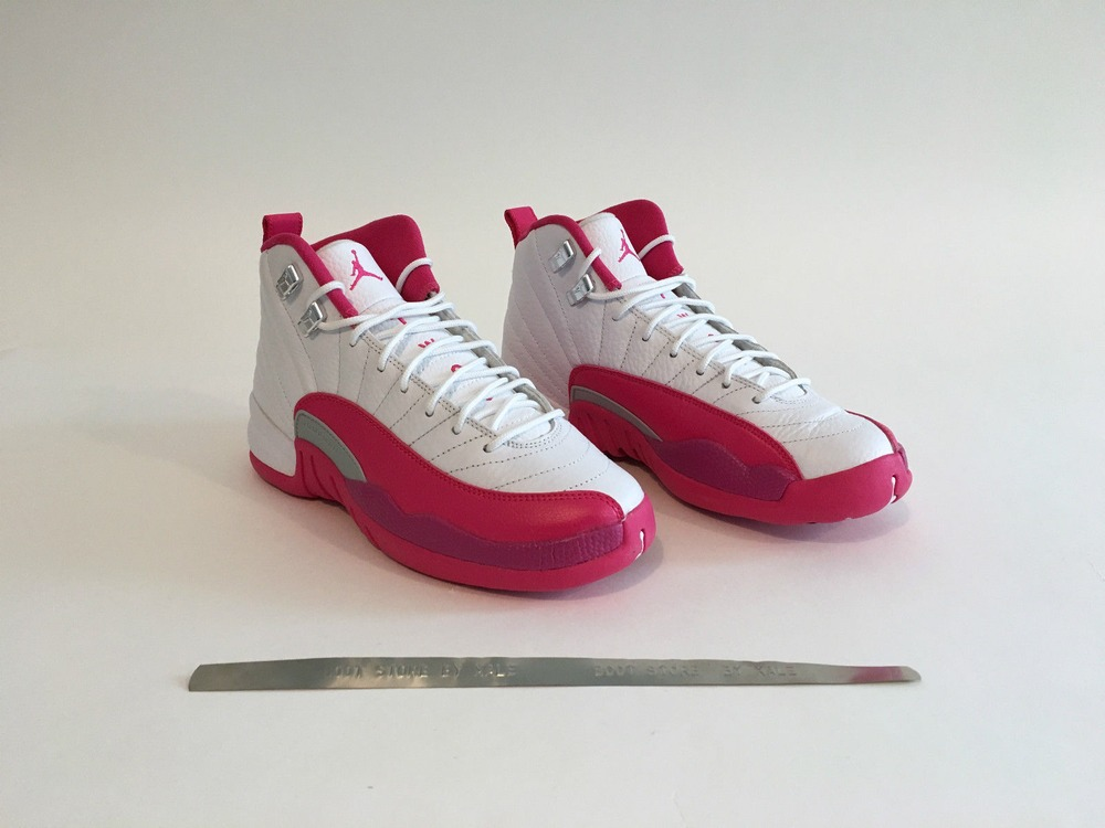 finest selection 973c9 0afc6 ... AIR JORDAN 5 RETRO GG WOLF GREY Nike Jordan XII Vivid Pink °°°Size °US  6Y °EU 38, ...