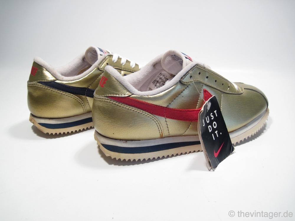 Nike Cortez Schwarz Gold