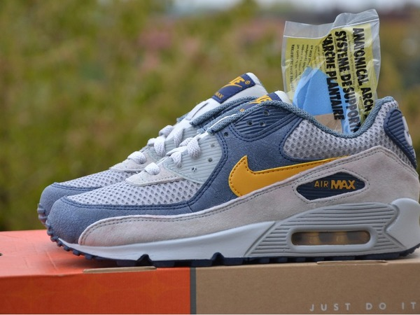 Nike Air Max 90 Gold Leaf