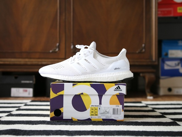 Adidas Ultra Boost Key City Pack White US12 - photo 1/2