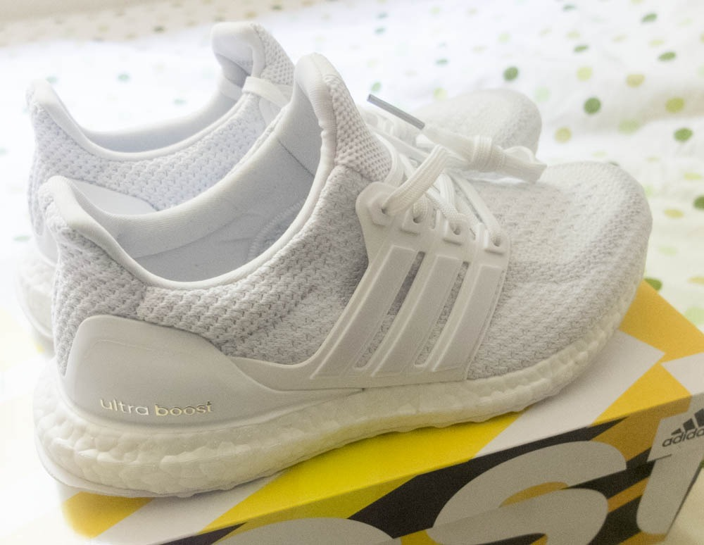 ultra boost triple white 2 0 triathlon. Black Bedroom Furniture Sets. Home Design Ideas