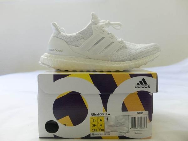 Adidas Ultra Boost Triple White 2.0 W - US7.5, EU 39 1/3, UK6 - photo 1/9