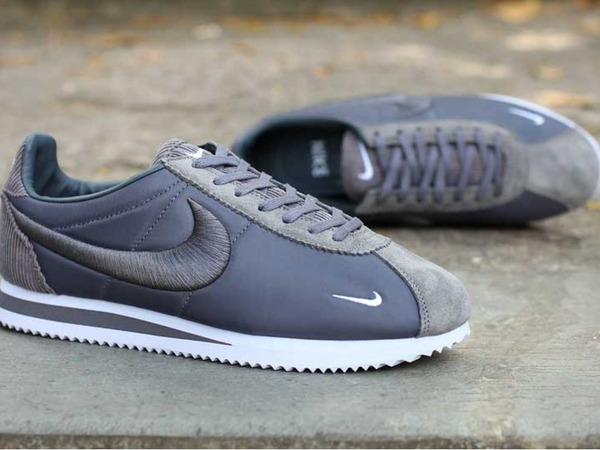 Nike Cortez Classic SP Mini Swoosh - photo 1/3