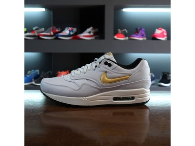Air Max 1 Gold Trophy