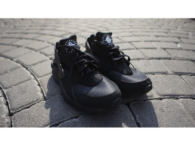 Image of Air Huarache Triple Black