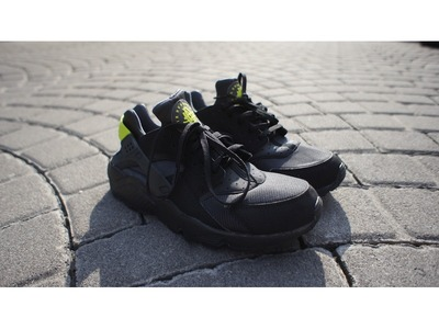 Image of Nike Air Huarache (Black/Anthracite-Veno...