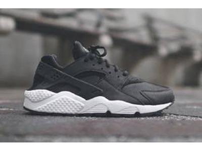 Nike Huarache Black Womens