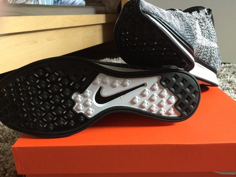 Nike Flyknit Racer Oreo 2.0