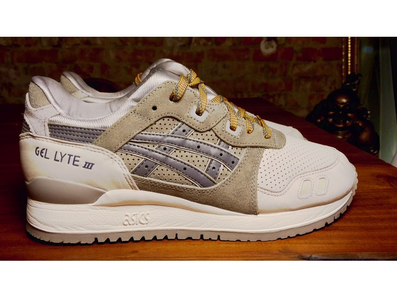 asics color beige
