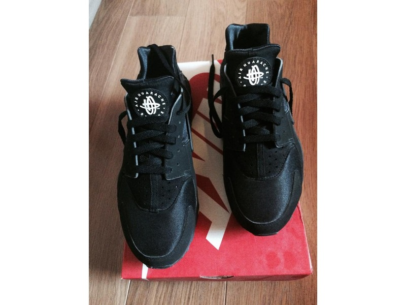 Huaraches Triple Black