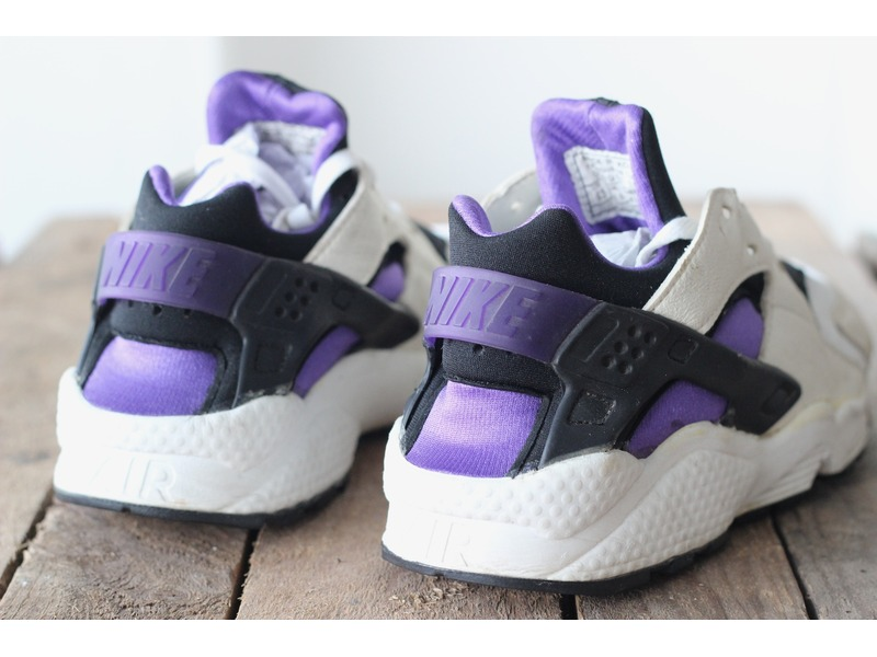 nike huarache white and purple