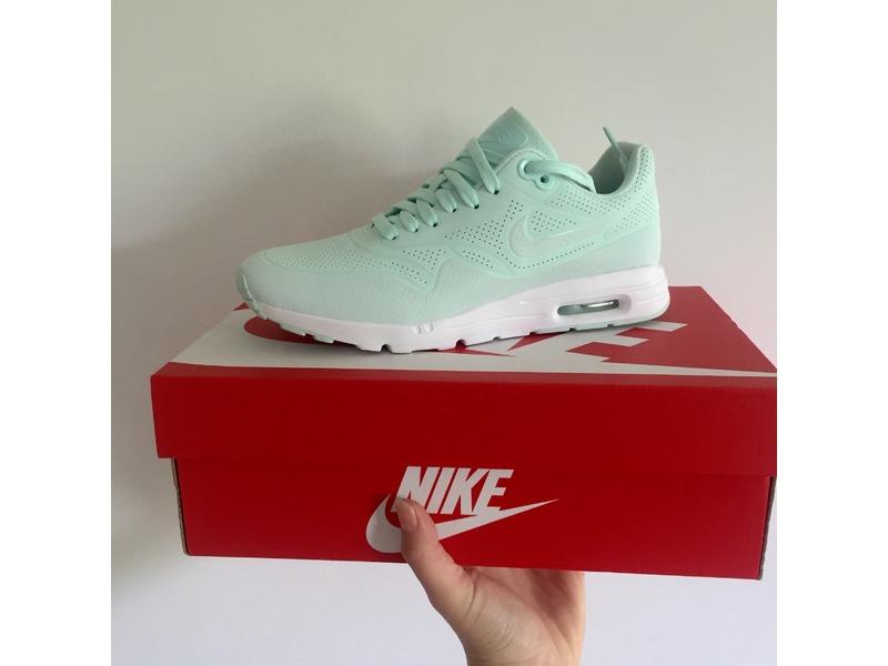 Nike Air Max 1 Size 6