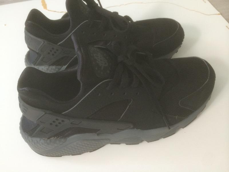 Nike Huarache Triple Black Size 7