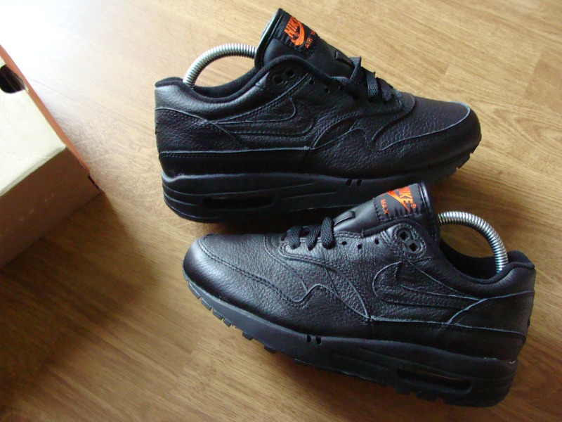 exclusive air max 1