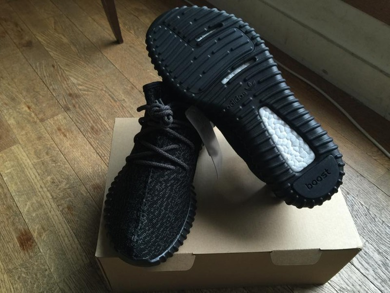 Yeezy 350 V2 Black/White