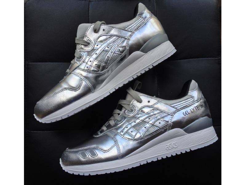 asics silver
