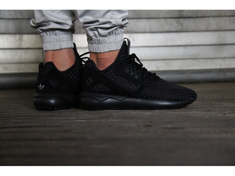 adidas tubular runner all black
