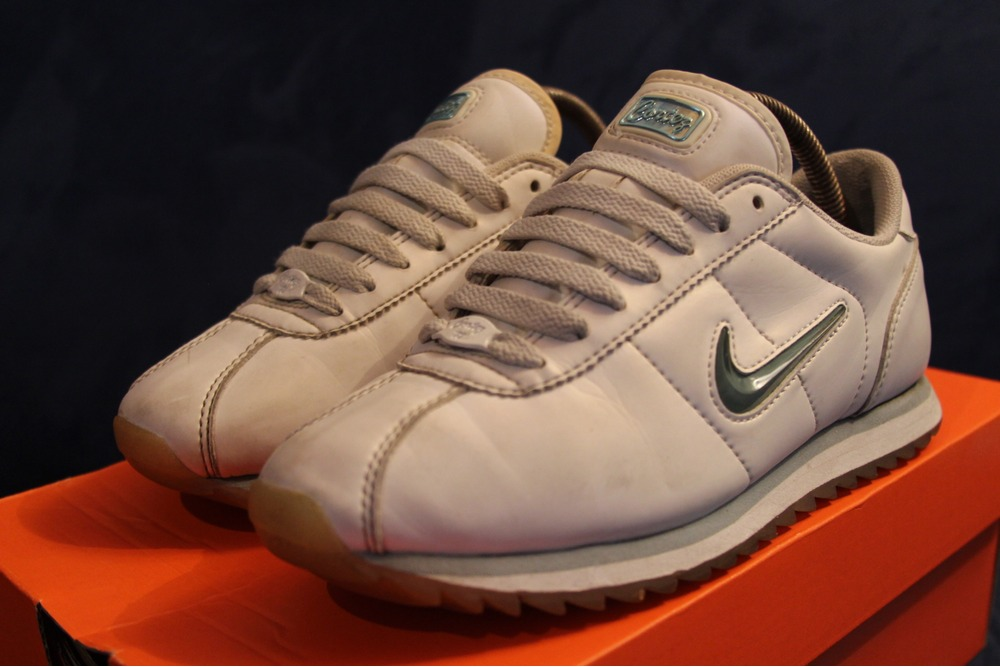 nike cortez beige nike cortez leather uk nike cortez shoes. Black Bedroom Furniture Sets. Home Design Ideas