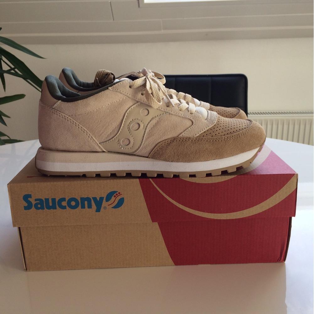 saucony 42
