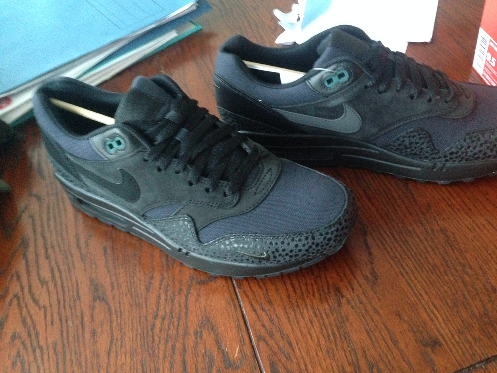 Air Max 1 Black Bonsai