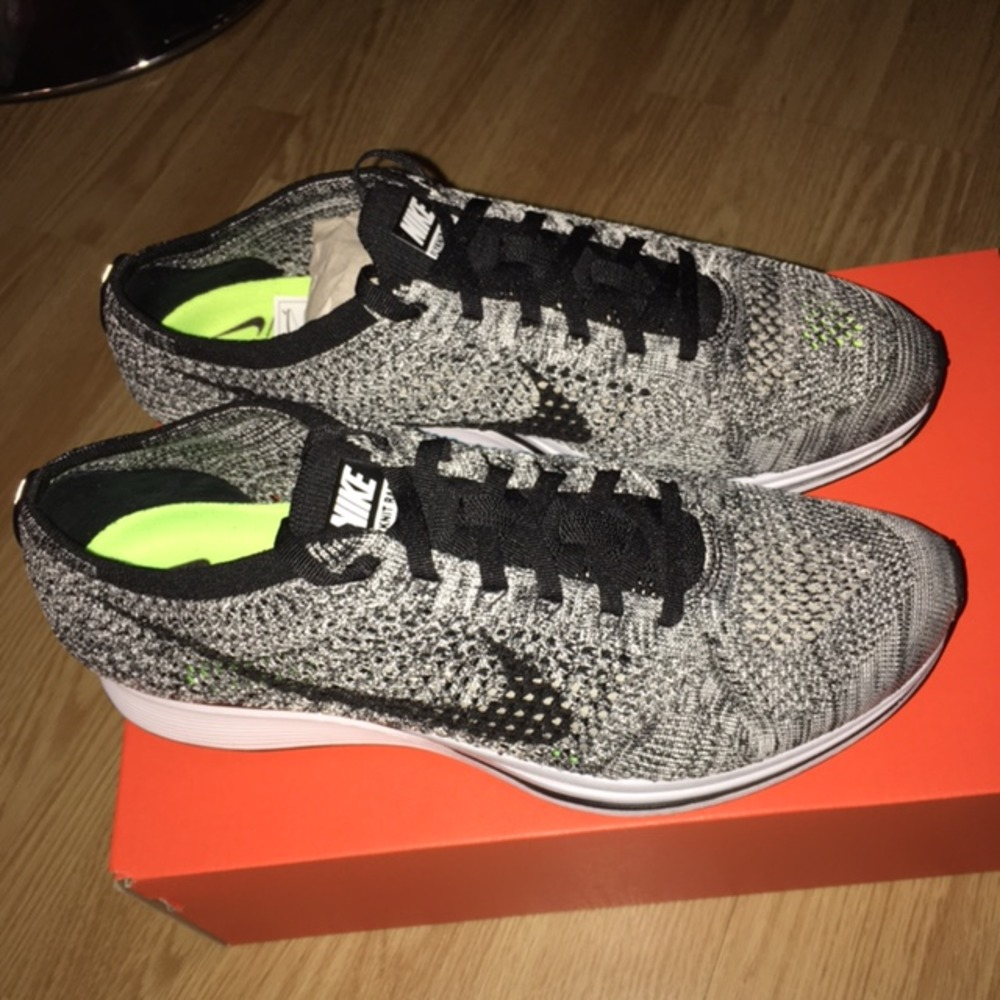 nike flyknit racer oreo 2016. Black Bedroom Furniture Sets. Home Design Ideas