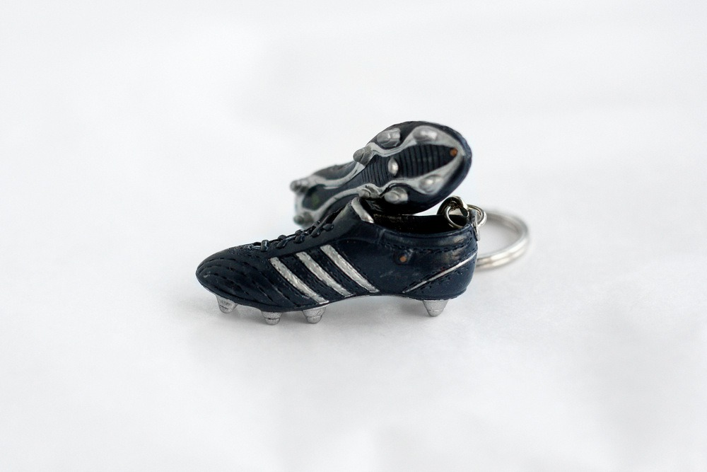 adidas football boot keyring