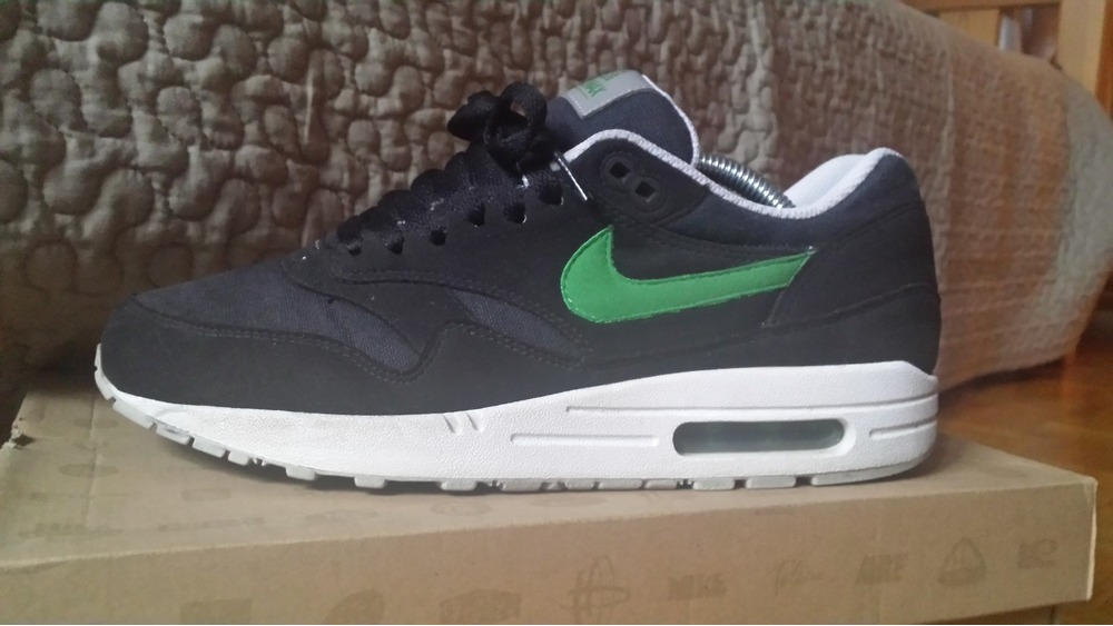 Nike Air Max 180 (2006) (#1149569) from Bored Genius