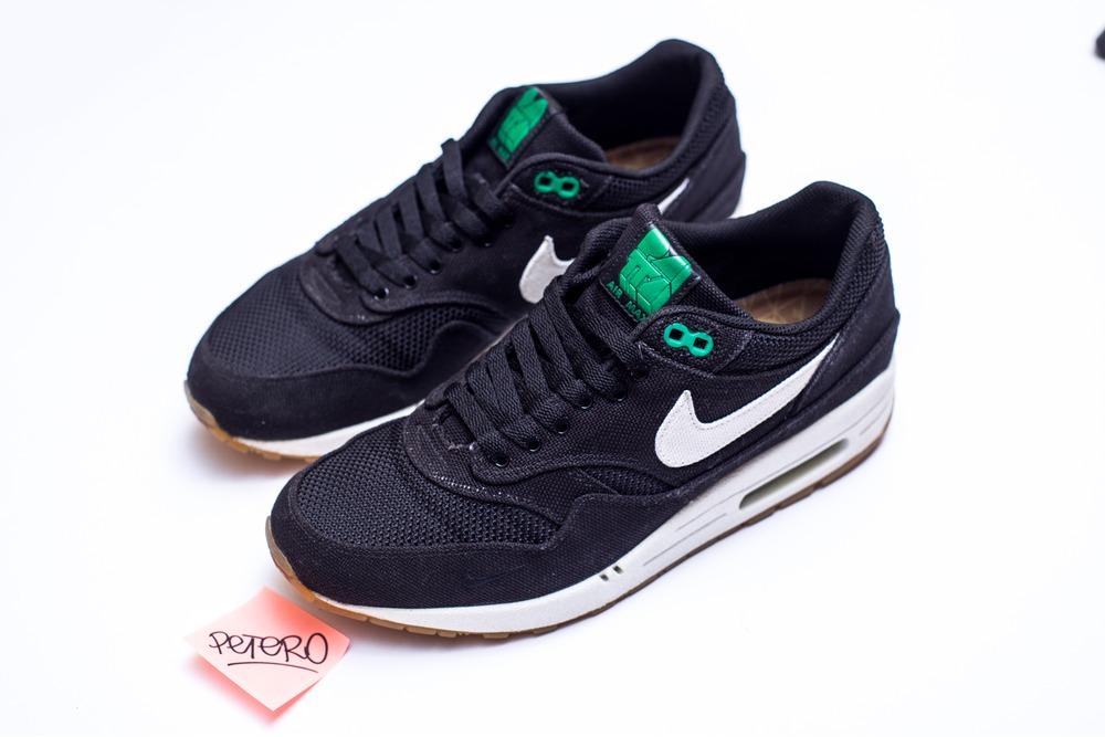 Lovely Nike SB Zoom Stefan Janoski Canvas Shoes WhiteBlack