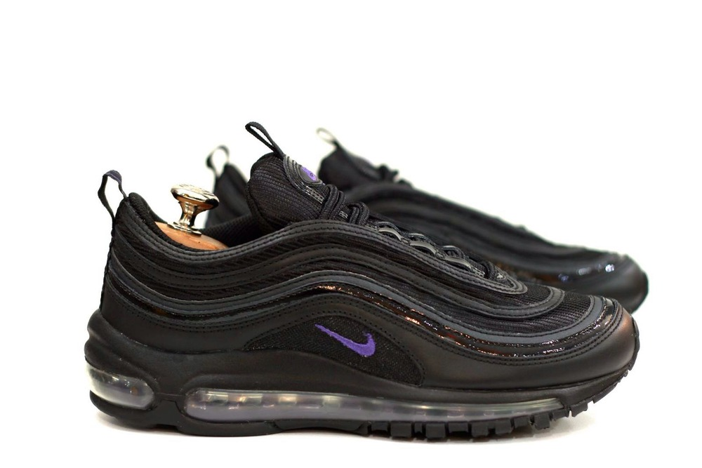 air max 97 tn Often Nike Air Max Plus was called like a bomb of. It was a feminine  cry ... 3ff76277946e