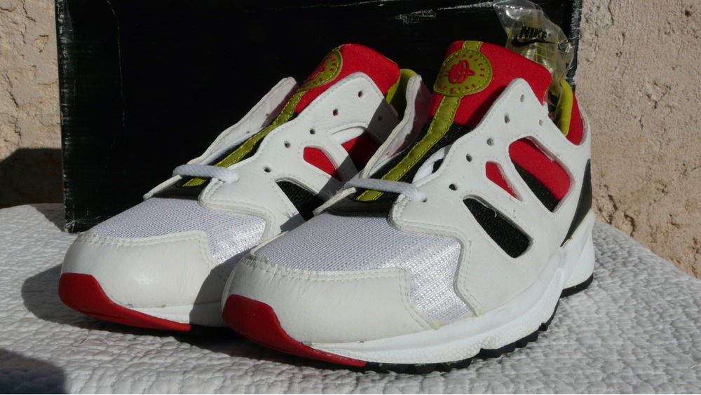 Nike Air Huarache International 8us DS New in box 1992 Vintage OG Pantheon base span grail