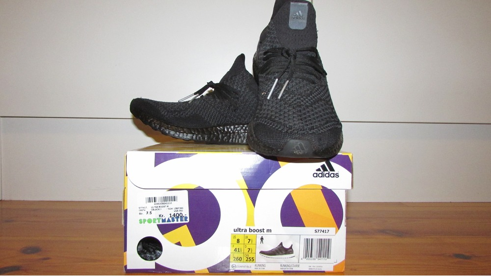 Ultra Boost Adidas Box