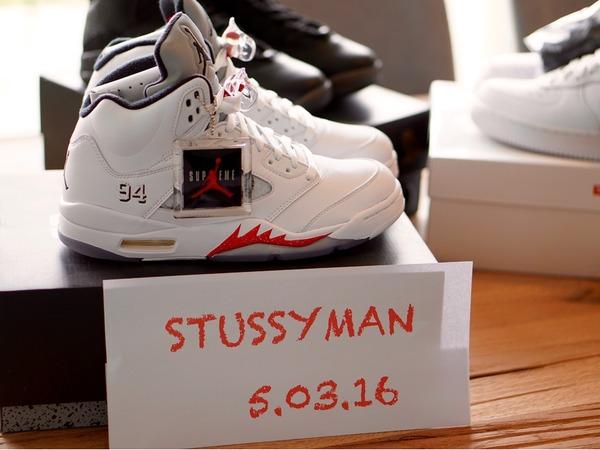 Air Jordan Air Jordan 5 x Supreme - photo 1/3