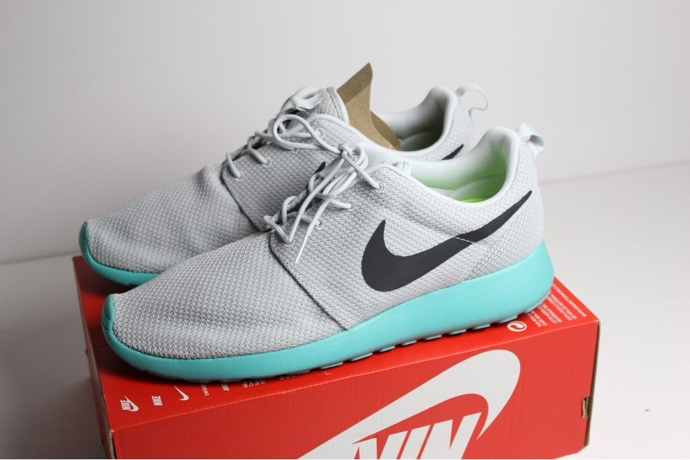 78a1aaca94785 Nike Roshe Run One QS Pure Platinum 12 46 Wolf Grey Blue Volt ...