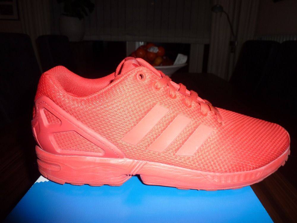 sale retailer 2a4be 20a8f adidas zx flux triple red adidas zx flux cityscape