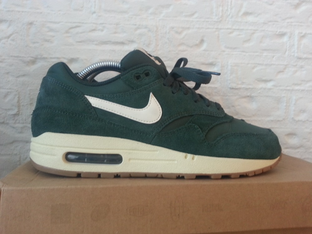 best service 6973d 06213 Nike Air Max 1 Essential Green Suede