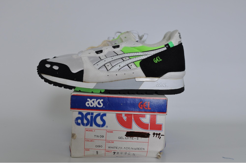 Asics Gel Lyte II, US9 (fits small) - photo 1/3
