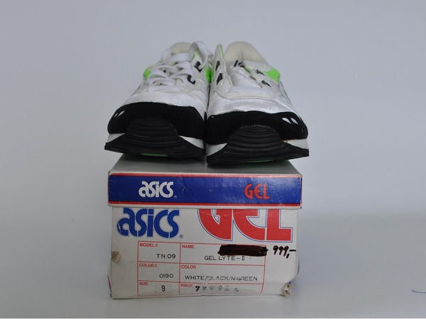 Asics Gel Lyte II, US9 (fits small) - photo 3/3