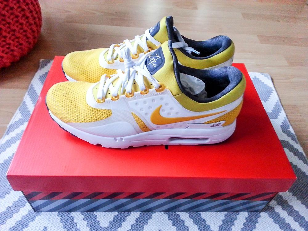 Nike Air Max Zero Size 11
