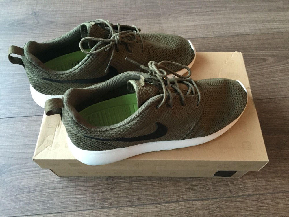 Nike Roshe Run Iguna Green (#326650) from Tobias Prins at KLEKT