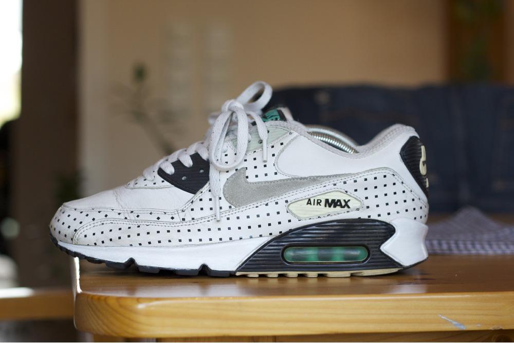 348b574eb18e2e ... 2007 Footpatrol x Air Max 90 39Square Polka39 Dots Nike ...