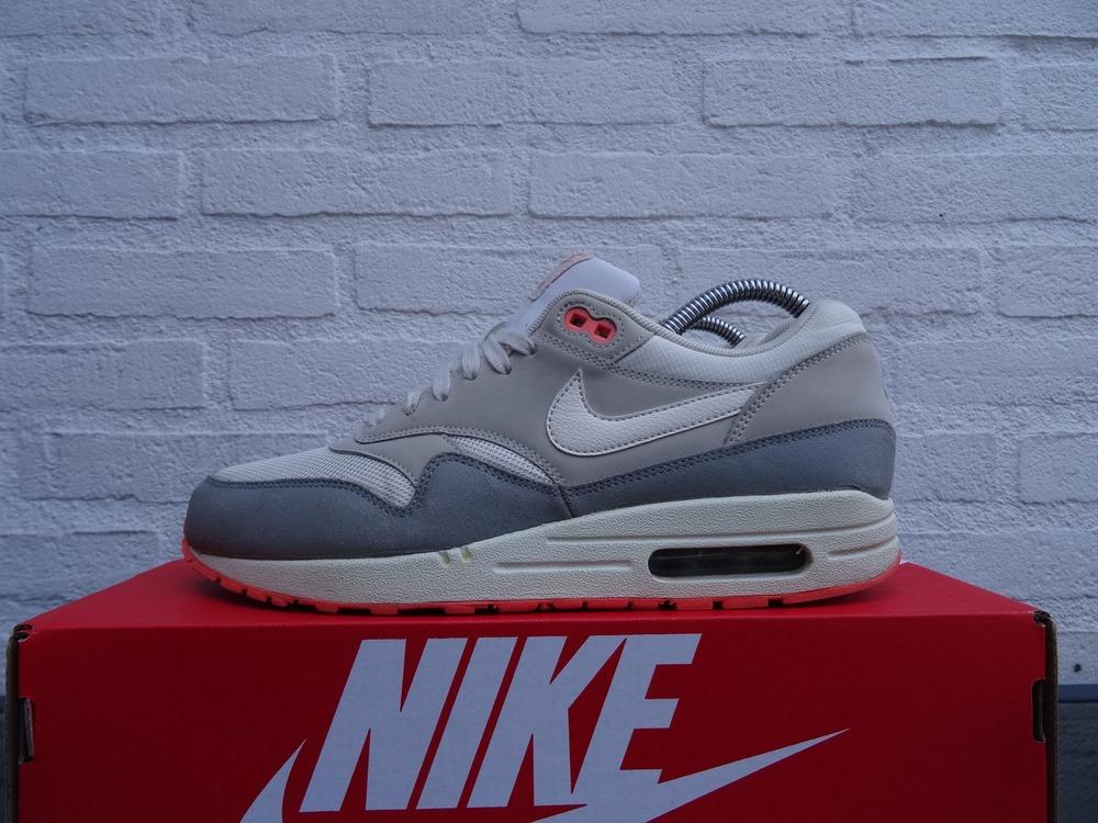 Nike Air Max Zero Pigeon Jeff Staple iD Sneaker Bar Detroit