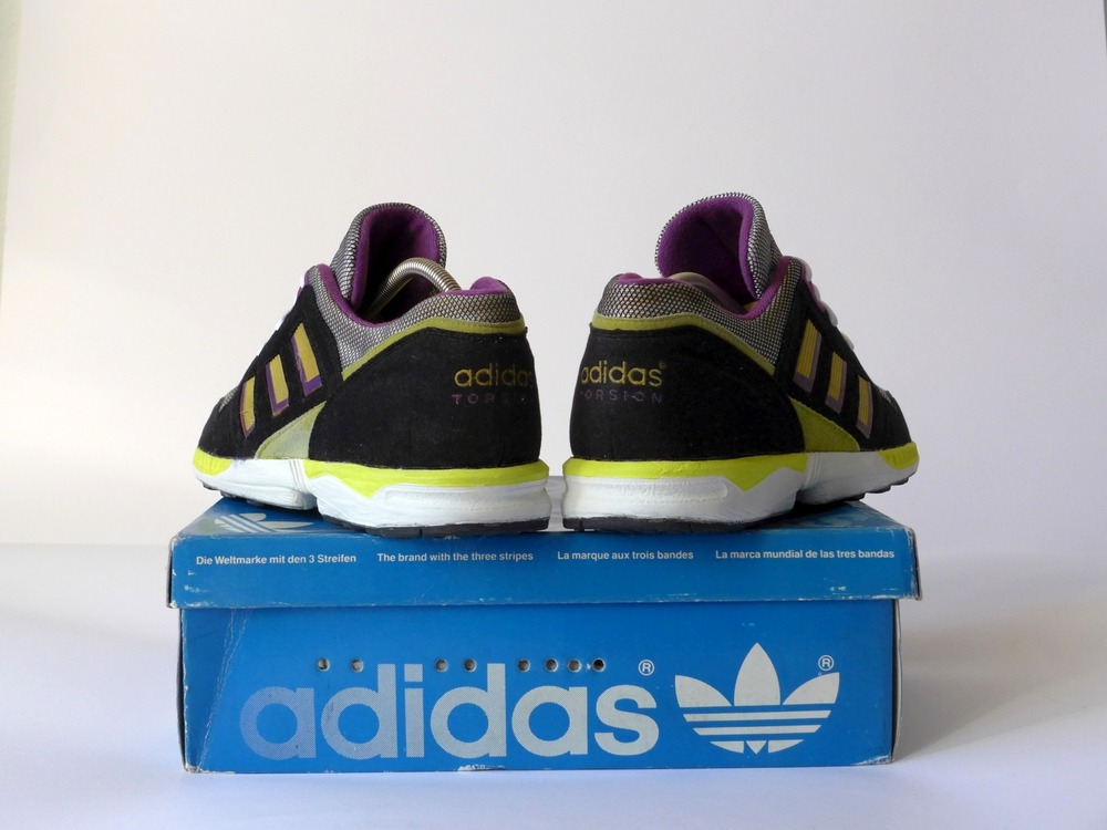 Check out this Adidas boost la marque aux 3 bandes NWT