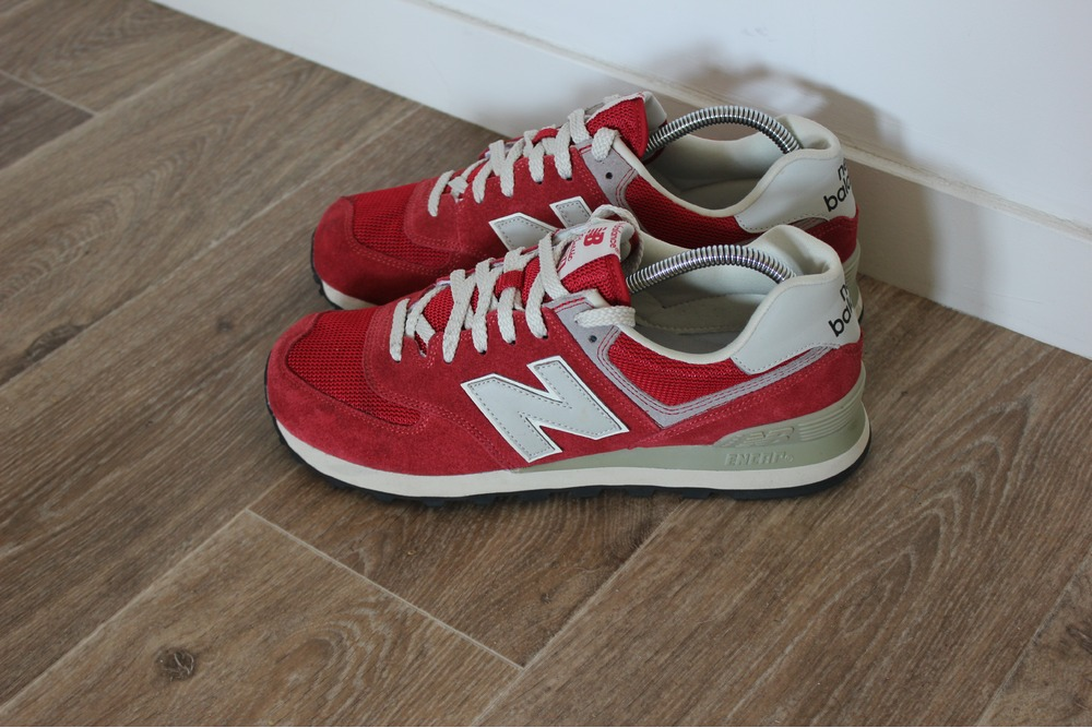 m574 red