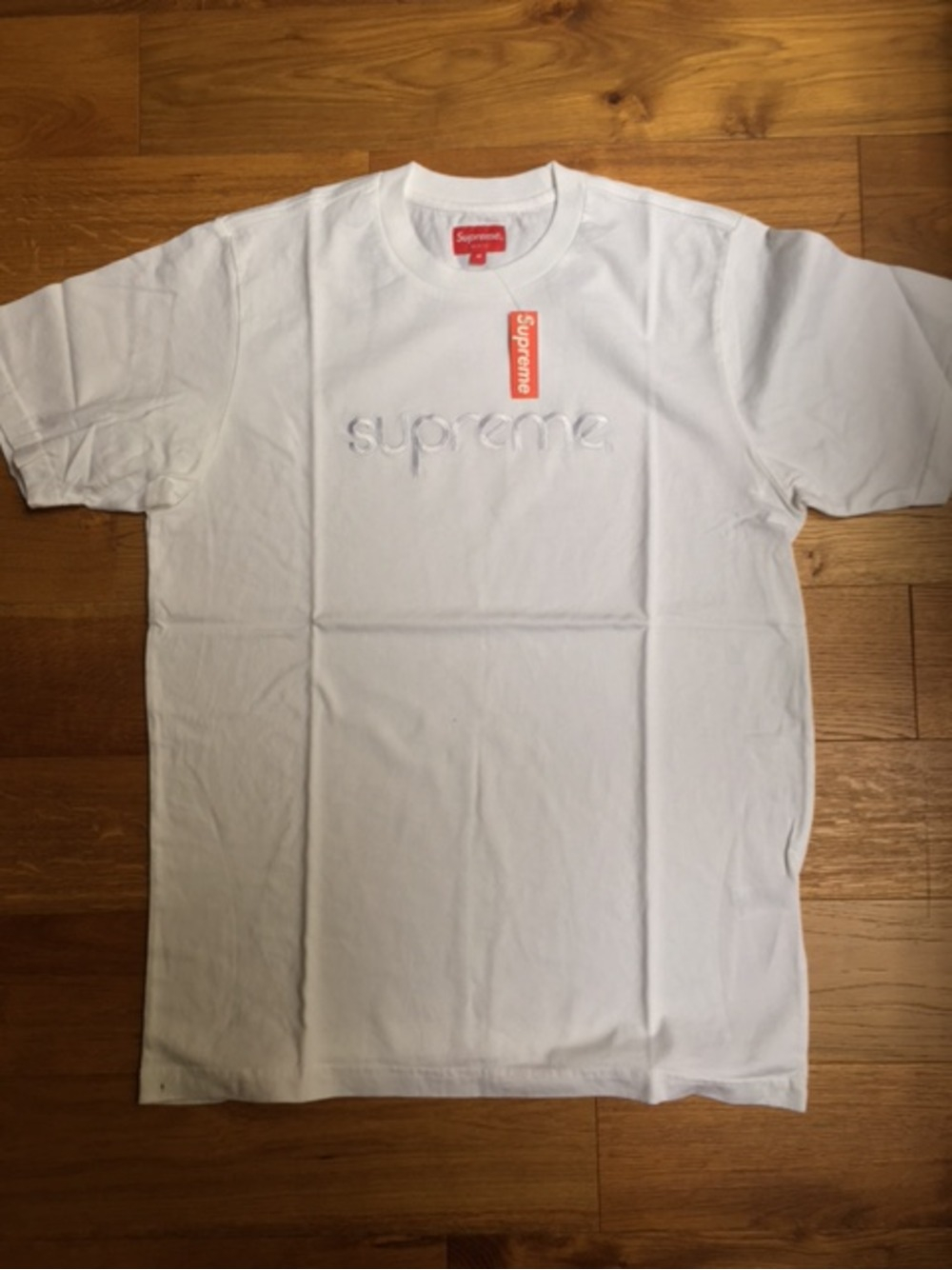 Suprme nyc tonal embroidered tee sz m tshirt brand new box