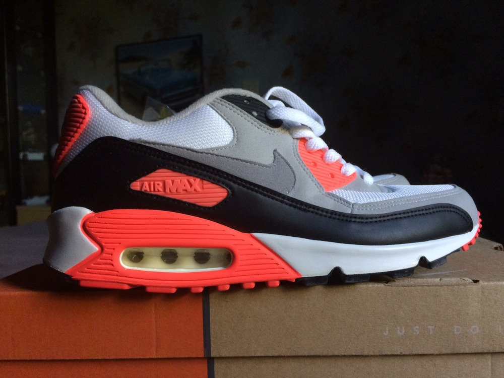 ds nike air max 90 infrared 2003 9 42 5 rare 538808. Black Bedroom Furniture Sets. Home Design Ideas