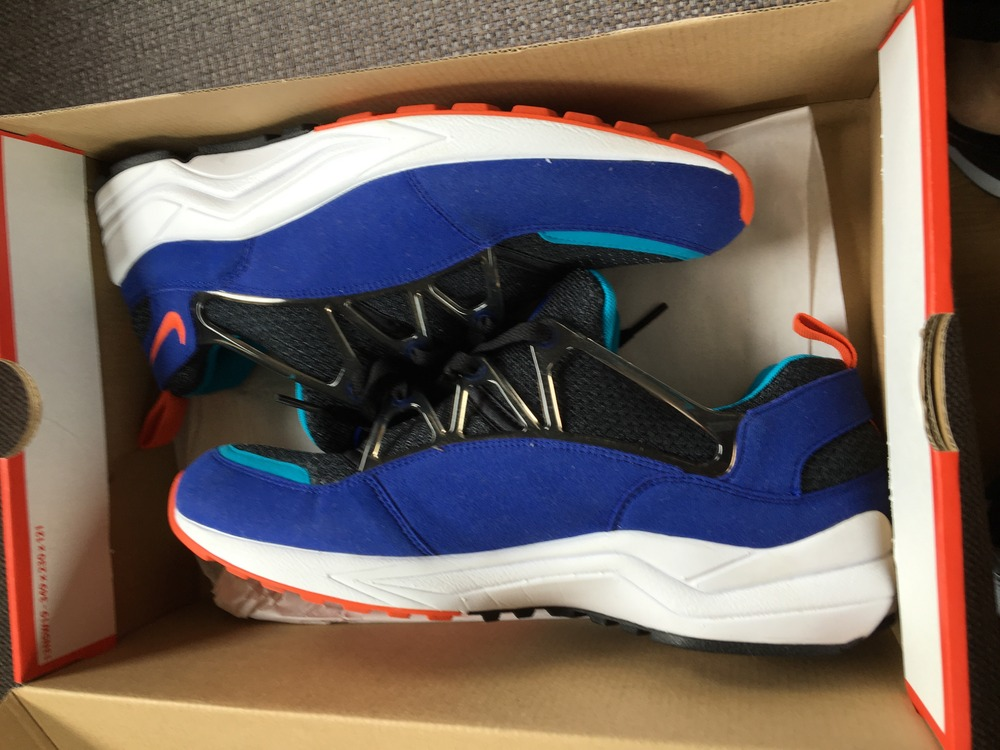 Nike Air Max 180 Ultramarine Unboxing Video at Exclucity