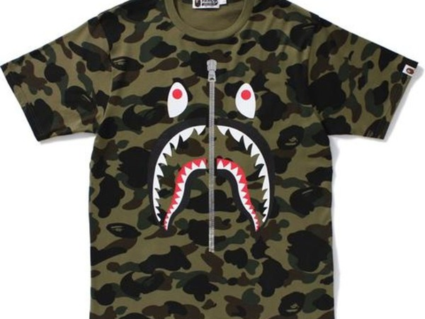 BAPE - <strong>A</strong> <strong>bathing</strong> <strong>Ape</strong> 1st CAMO SHARK TEE NEW SIZE L SOLD OUT ! - photo 1/1