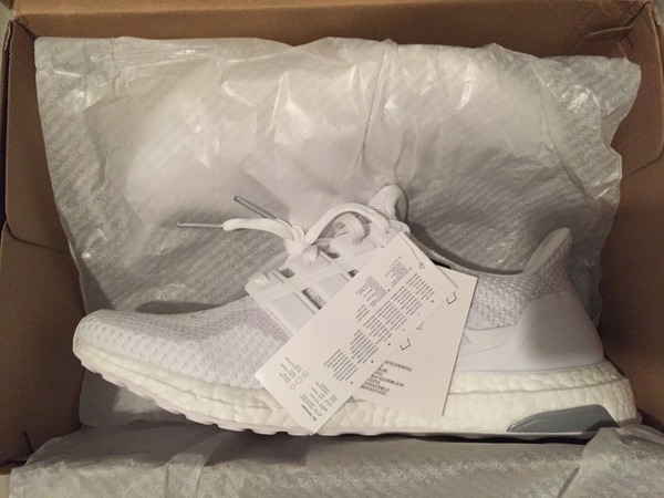 Adidas Ultra Boost Triple White 2.0 US10 DS - photo 1/2