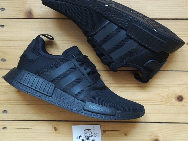 Adidas NMD R1 Tripple Black US 9,5 | UK 9 | EU 43 1/3 Boost - photo 1/4