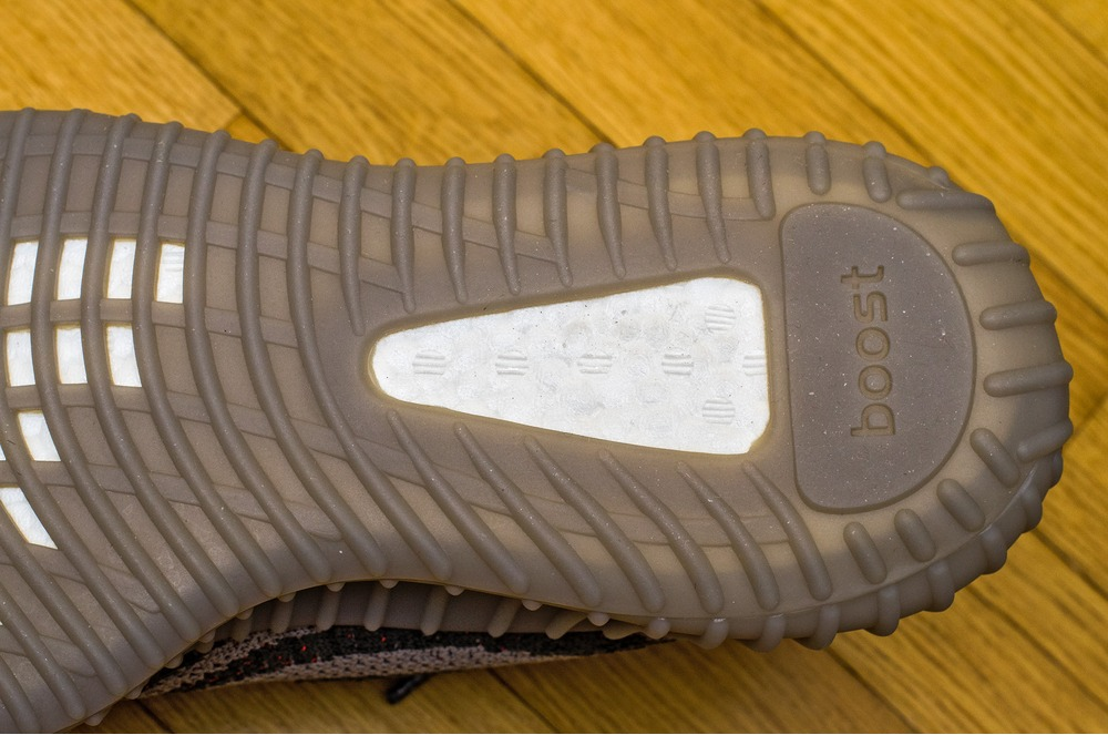 adidas yeezy 350 v2 original